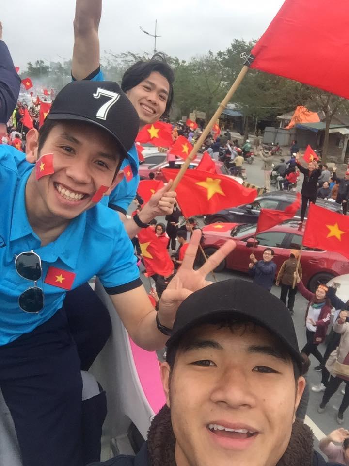 Truc tiep le don U23 Viet Nam ve nuoc: Khong khi soi dong chua tung co hinh anh 19