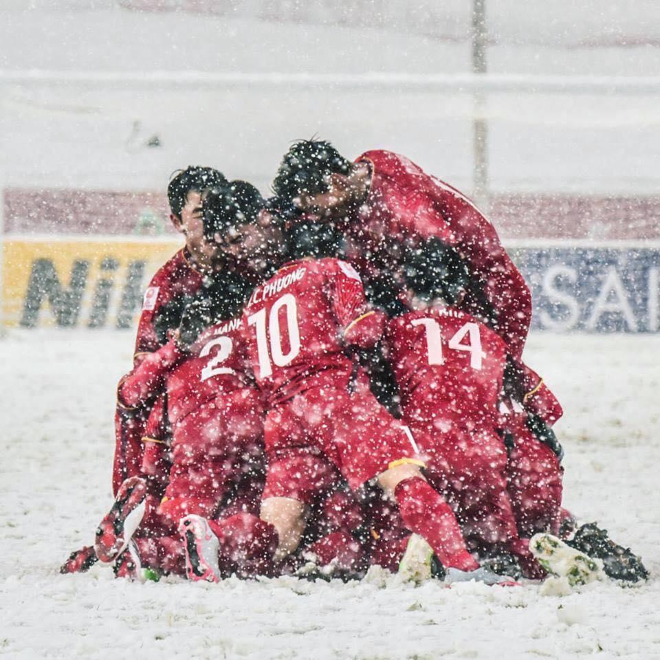 'Canh tay phai' cua HLV Park Hang Seo viet sach ke lai ky tich U23 Viet Nam hinh anh 1