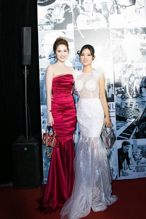Hoa hau Tuyet Nhung goi cam tren tham do WeChoice Awards 2017 hinh anh 10