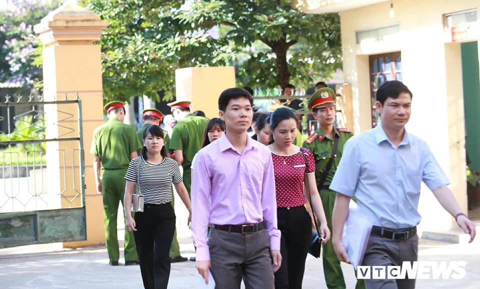 Nhung hinh anh dau tien tai phien toa xet xu bac si Hoang Cong Luong hinh anh 11