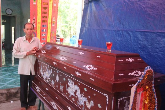 Que ngheo Binh Dinh dam nuoc mat don thi the hiep si Nguyen Van Thoi hinh anh 3