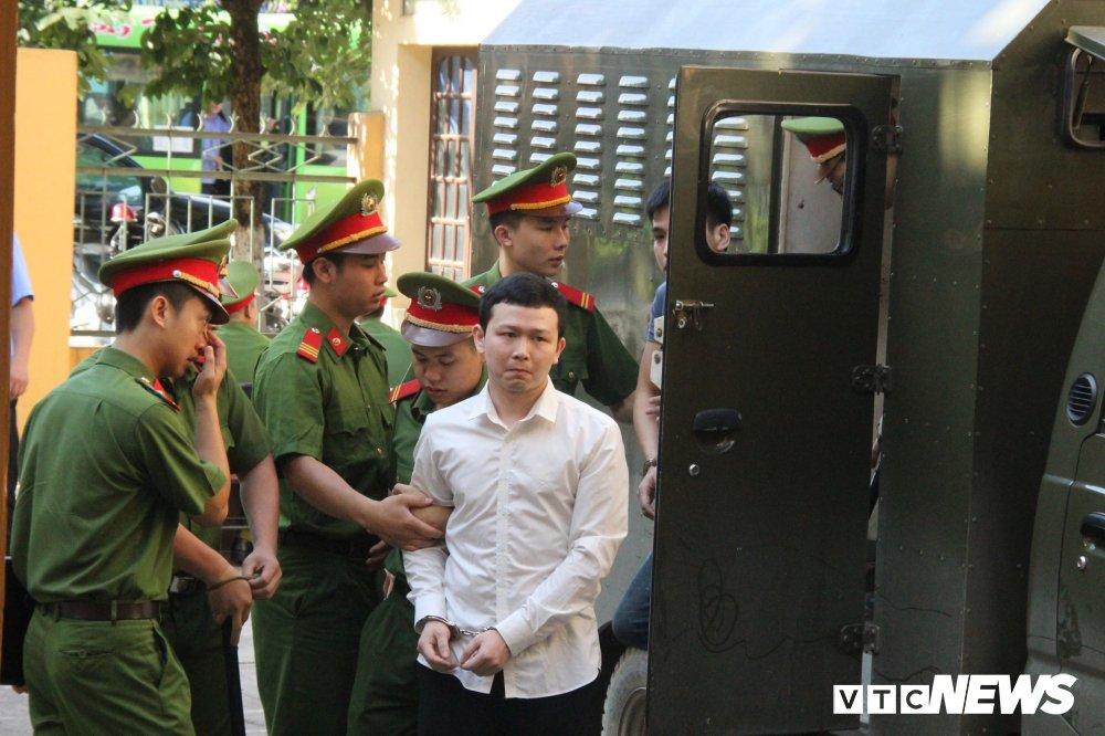 Xet xu bac si Hoang Cong Luong: Bien ban ban giao thiet bi duoc ky sau khi xay ra su co hinh anh 1