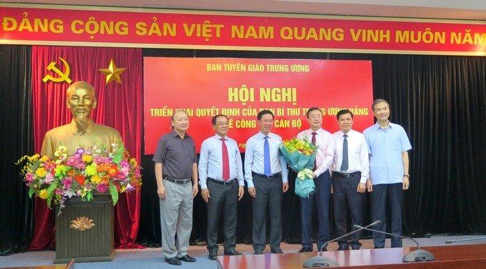 Pho chu nhiem Van phong Chu tich nuoc giu chuc Pho truong Ban Tuyen giao TU hinh anh 2