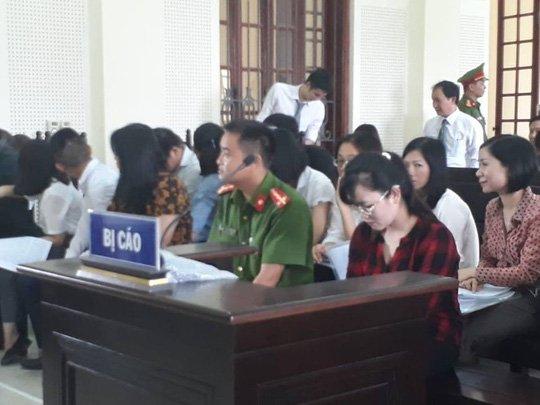 'Hot girl' Eximbank chiem doat hon 50 ty dong hau toa lan 3 hinh anh 2