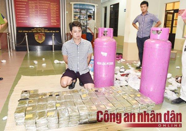 'Ong trum' buon heroin vua bi bat sau cuoc dau sung nghet tho o Long Luong la ai? hinh anh 2