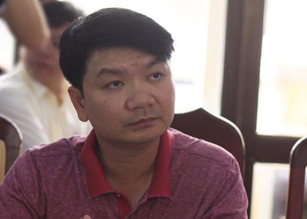 Sai pham cham thi tai Ha Giang: Nhieu tin nhan lien quan trong dien thoai cua Pho truong phong Khao thi hinh anh 1