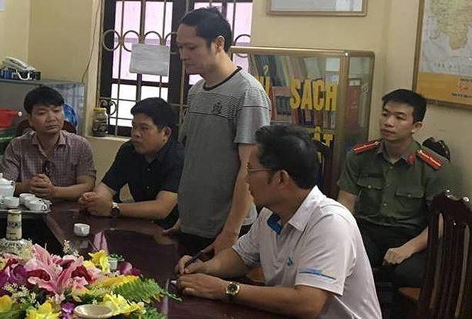 Gian lan diem thi o Ha Giang: Duong den trai giam cua lanh dao phong khao thi hinh anh 1