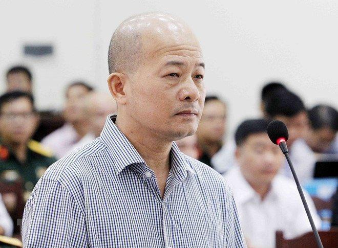 Xet xu Ut 'troc' va dong pham: Nguyen Chu tich tinh 'but phe' vao bia thu? hinh anh 1
