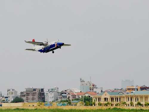 May bay Su-30MK2 va CASA-212 tiep tuc cat canh thuc hien nhiem vu hinh anh 2