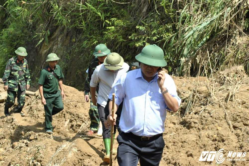De vao hien truong sat lo bai vang tham khoc, phai di hon 10km lay loi hinh anh 6