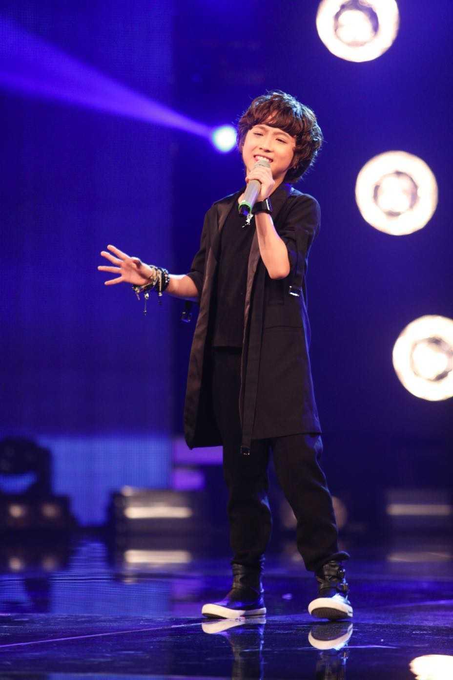 Vietnam Idol Kids: Than dong dan ca Ho Van Cuong khien Isaac 'rung tim' hinh anh 10