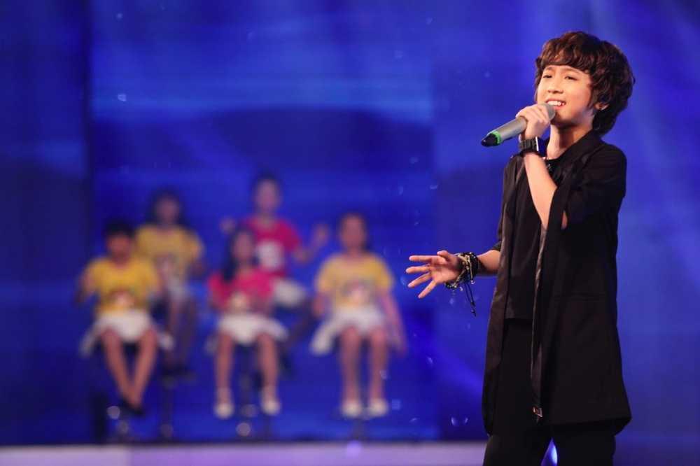 Vietnam Idol Kids: Than dong dan ca Ho Van Cuong khien Isaac 'rung tim' hinh anh 11