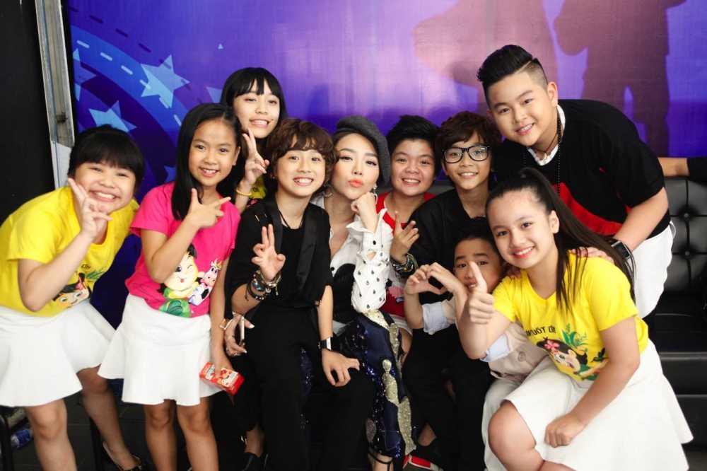 Vietnam Idol Kids: Than dong dan ca Ho Van Cuong khien Isaac 'rung tim' hinh anh 1