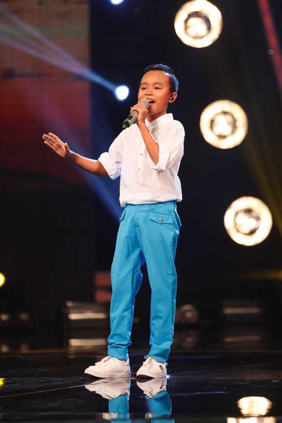 Vietnam Idol Kids: Than dong dan ca Ho Van Cuong khien Isaac 'rung tim' hinh anh 6