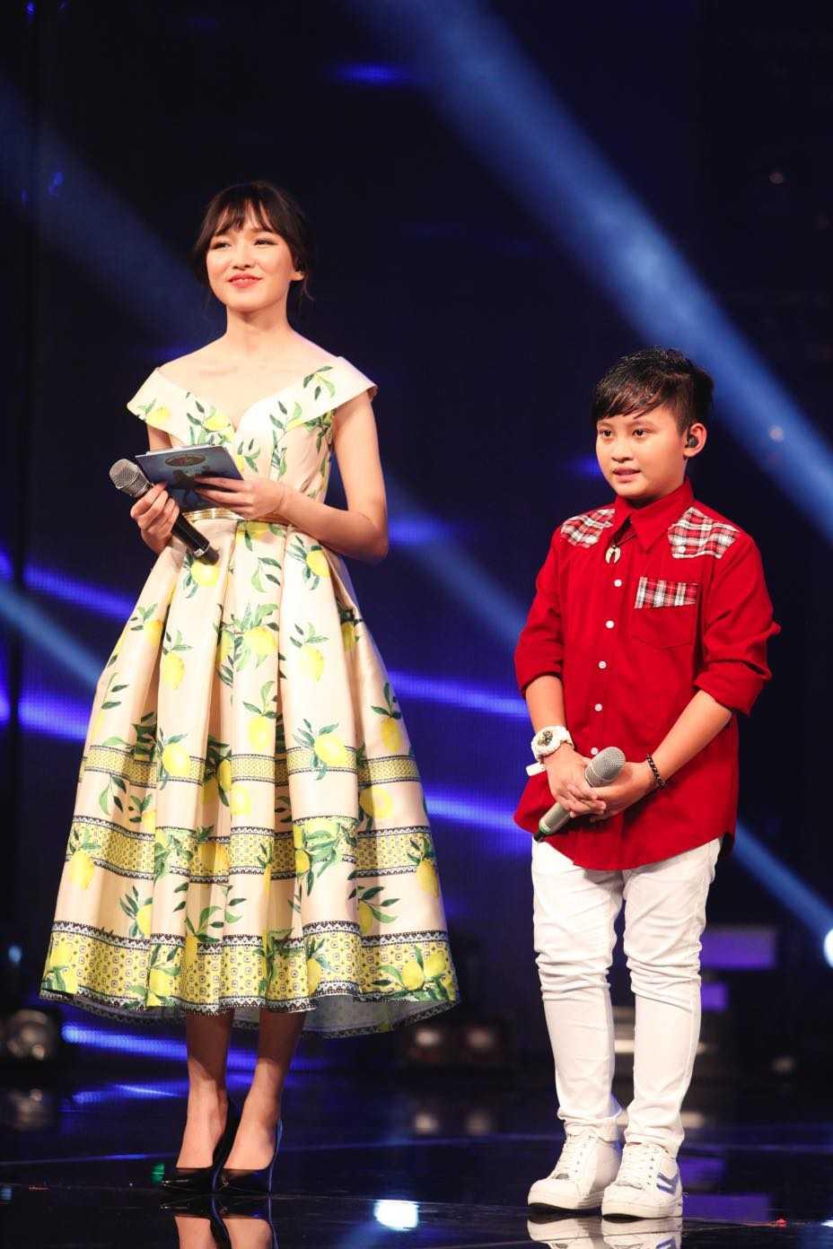 Vietnam Idol Kids: Than dong dan ca Ho Van Cuong khien Isaac 'rung tim' hinh anh 3
