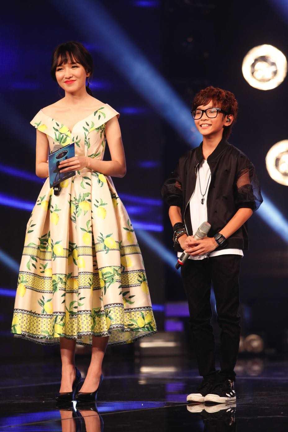 Vietnam Idol Kids: Than dong dan ca Ho Van Cuong khien Isaac 'rung tim' hinh anh 13
