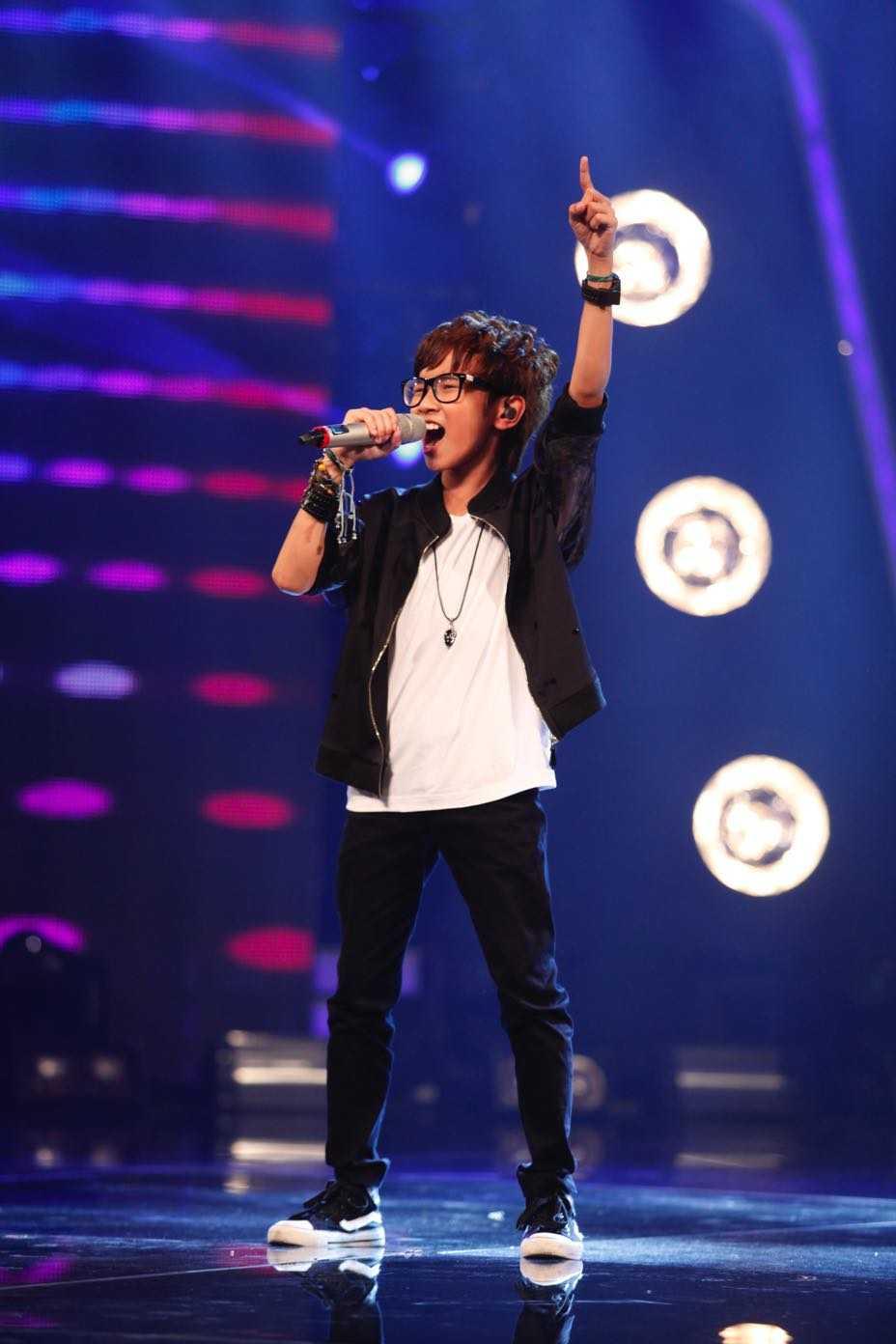 Vietnam Idol Kids: Than dong dan ca Ho Van Cuong khien Isaac 'rung tim' hinh anh 12