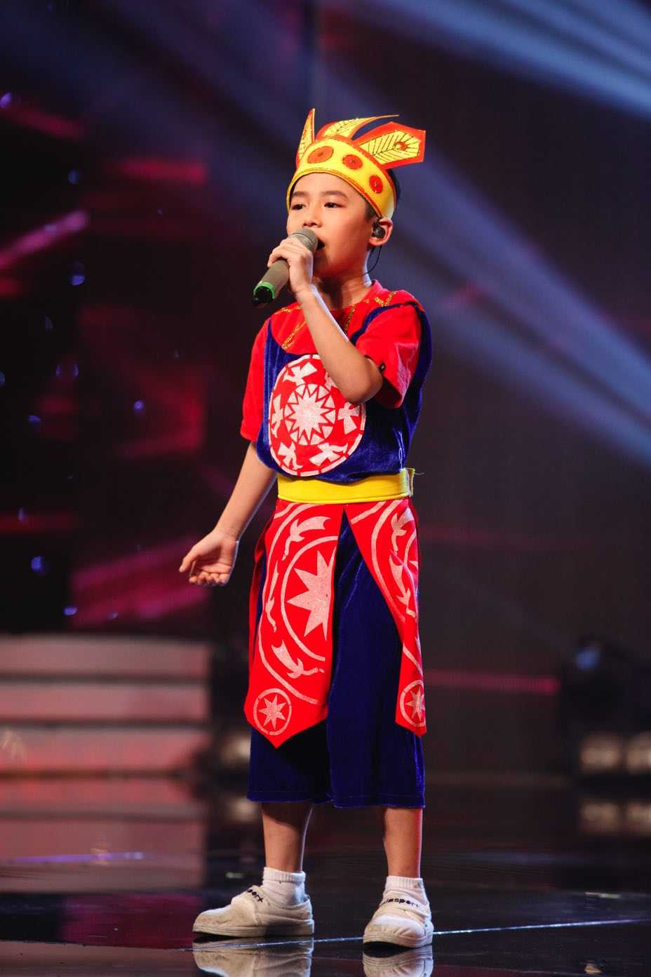 Truc tiep liveshow top 10 Vietnam Idol Kids: 10 'thien than nho' da san sang hinh anh 9
