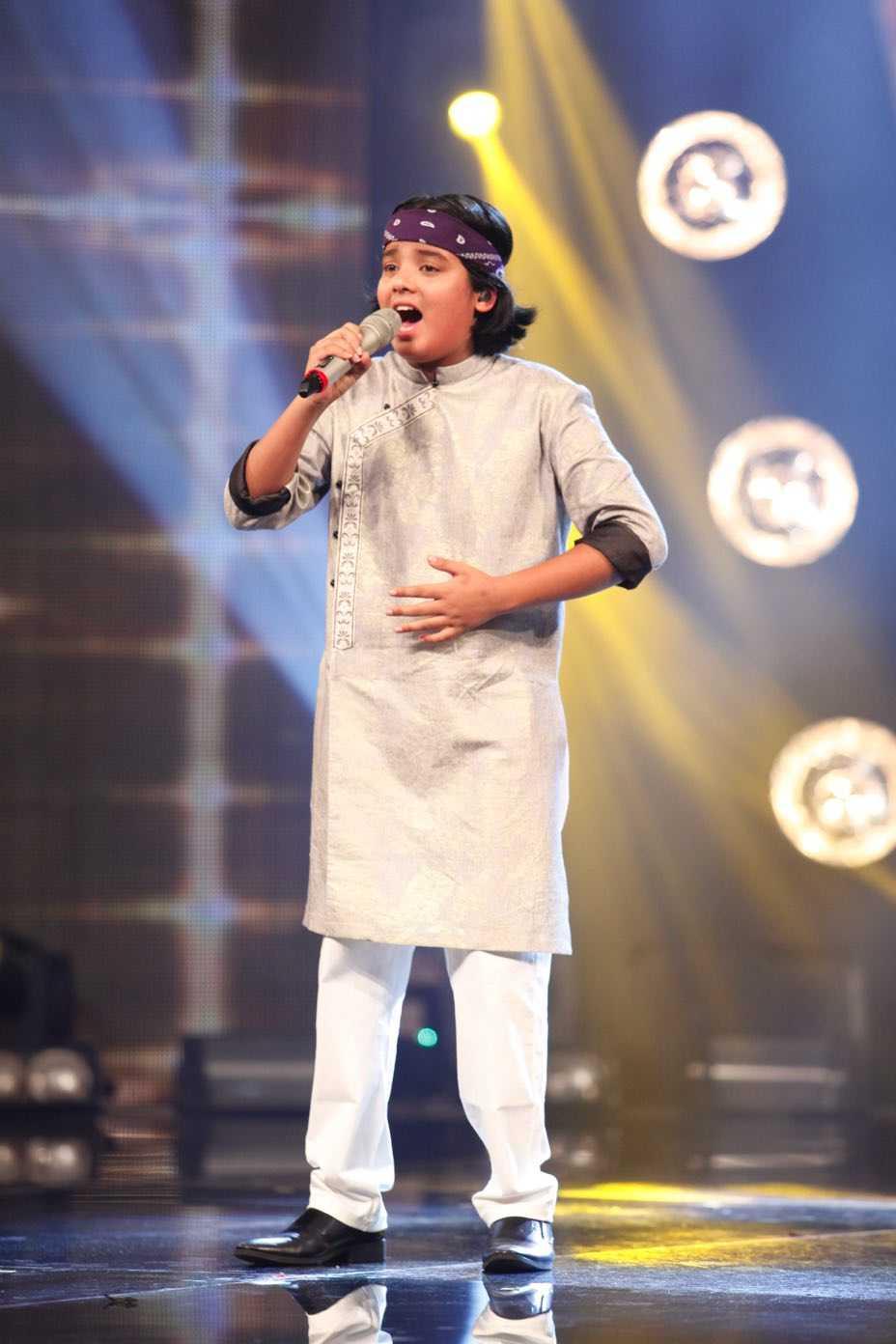 Truc tiep liveshow top 10 Vietnam Idol Kids: 10 'thien than nho' da san sang hinh anh 8