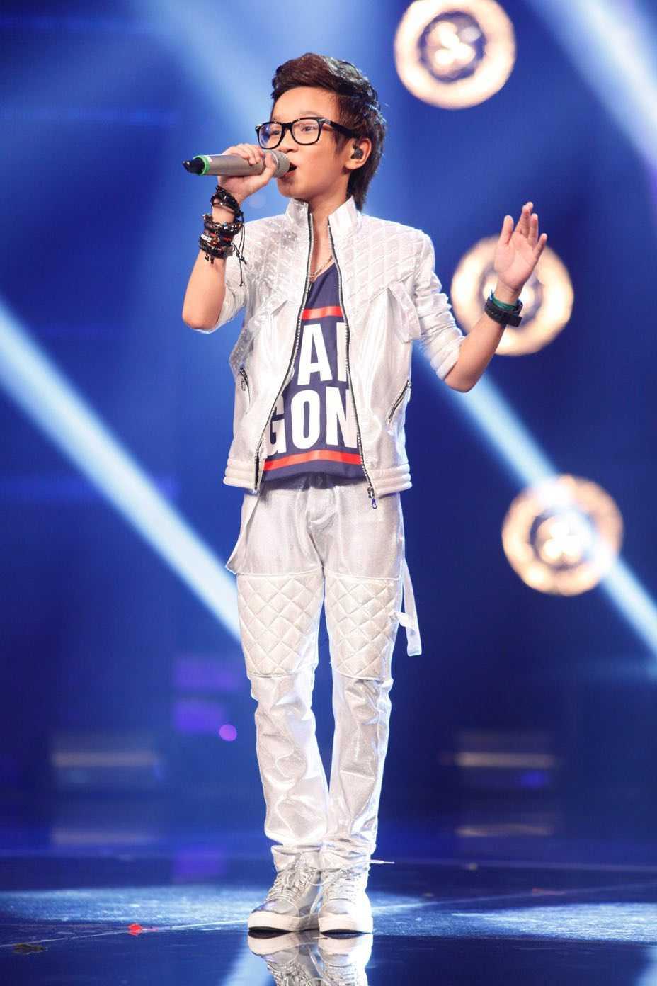 Truc tiep liveshow top 10 Vietnam Idol Kids: 10 'thien than nho' da san sang hinh anh 14