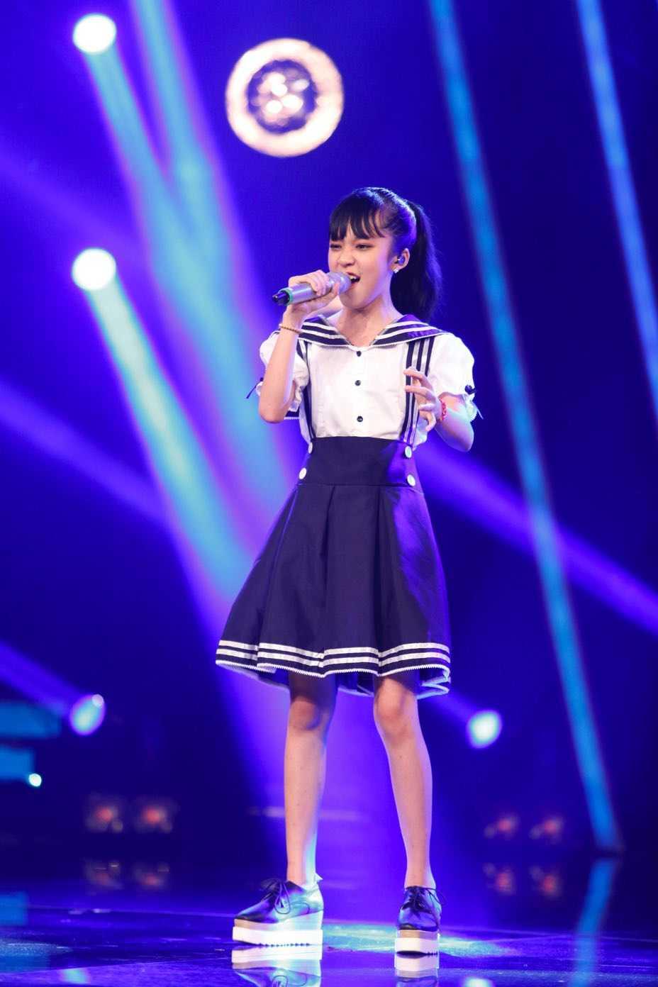 Truc tiep liveshow top 10 Vietnam Idol Kids: 10 'thien than nho' da san sang hinh anh 7
