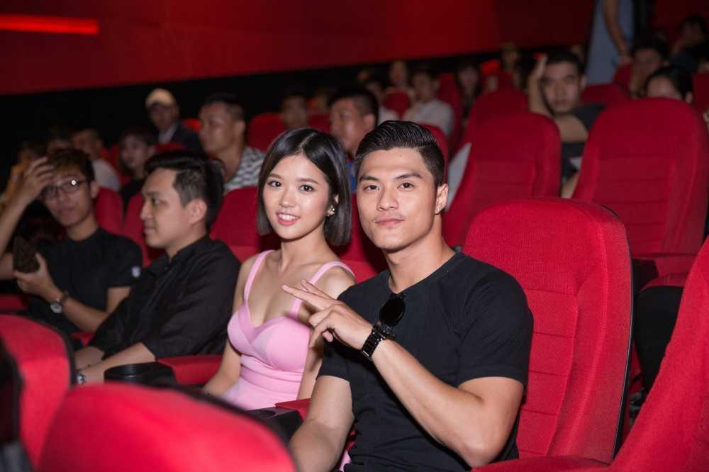Lam Vinh Hai tron vo di xem phim cung Suni Ha Linh hinh anh 1