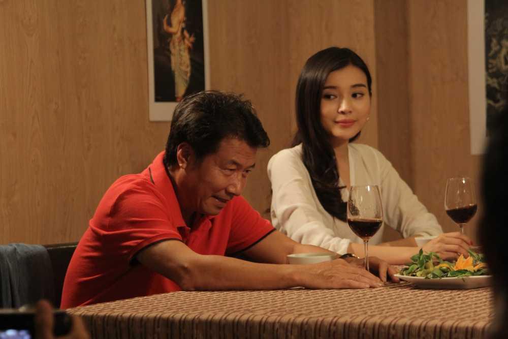 Phim Dong tien quy am: Cao Thai Ha yeu mot luc hai cha con nhung lai duoc ung ho hinh anh 4