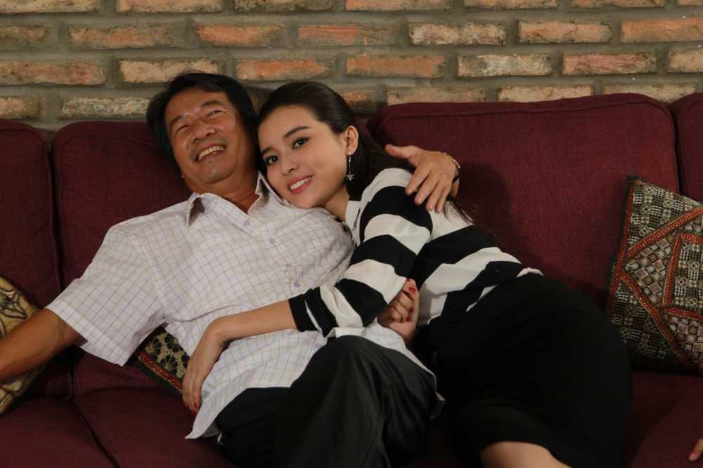 Phim Dong tien quy am: Cao Thai Ha yeu mot luc hai cha con nhung lai duoc ung ho hinh anh 6