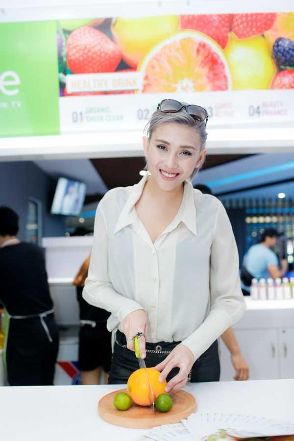 Vo Hoang Yen: Nhan sac xuong doc tram trong, than hinh tang can qua da hinh anh 4