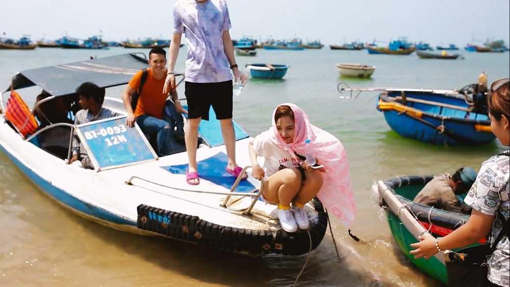 Miu Le duoc Trinh Thang Binh tan tinh cham soc hinh anh 6