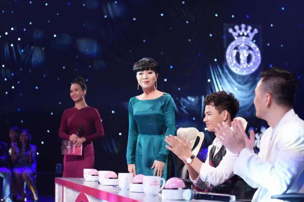 Tran Thanh 'bo roi' Hari Won, chay theo dan thi sinh Hoa hau hinh anh 2