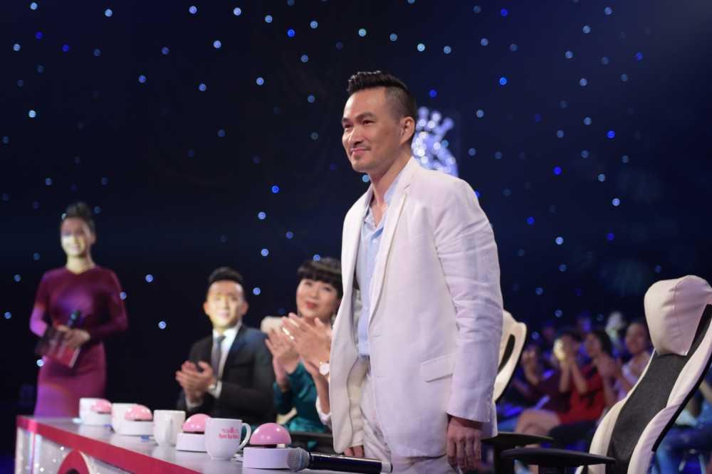 Tran Thanh 'bo roi' Hari Won, chay theo dan thi sinh Hoa hau hinh anh 3