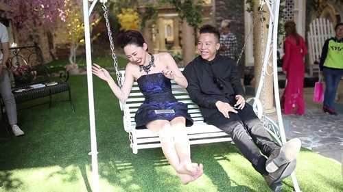 Toc Tien da chia tay 'nguoi yeu tin don' Hoang Touliver? hinh anh 4