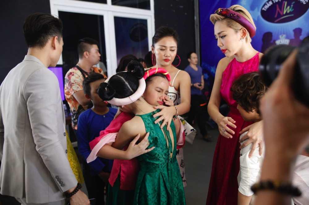 Truc tiep liveshow 4 Vietnam Idol Kids: Ho Van Cuong duoc ca ba giam khao thach do hinh anh 12