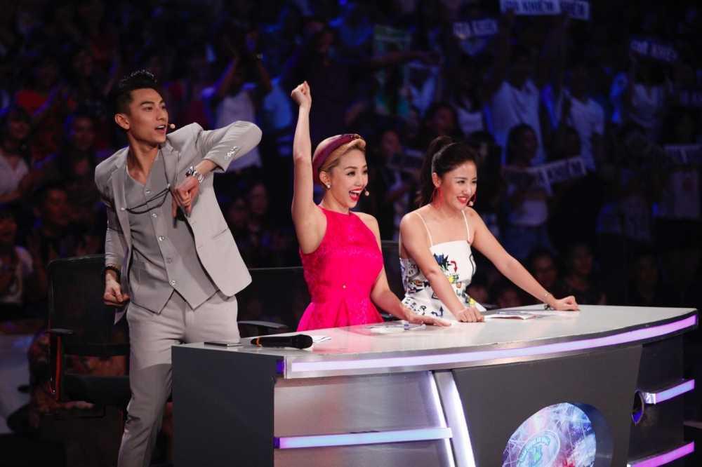 Truc tiep liveshow 4 Vietnam Idol Kids: Ho Van Cuong duoc ca ba giam khao thach do hinh anh 8