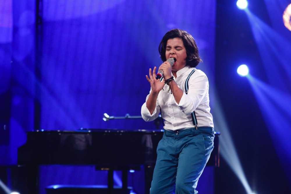 Truc tiep liveshow 4 Vietnam Idol Kids: Ho Van Cuong duoc ca ba giam khao thach do hinh anh 4