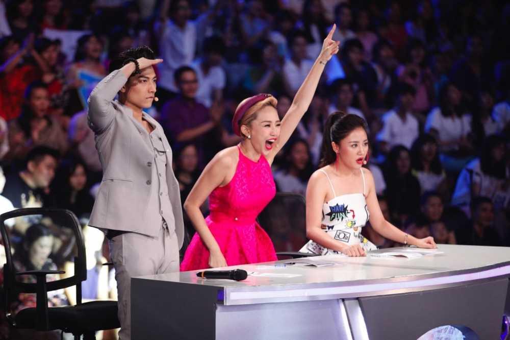 Truc tiep liveshow 4 Vietnam Idol Kids: Ho Van Cuong duoc ca ba giam khao thach do hinh anh 1