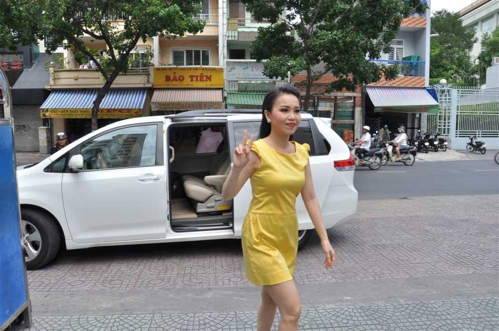 Noo Phuoc Thinh ngoi ghe huan luyen vien cung Dam Vinh Hung hinh anh 7