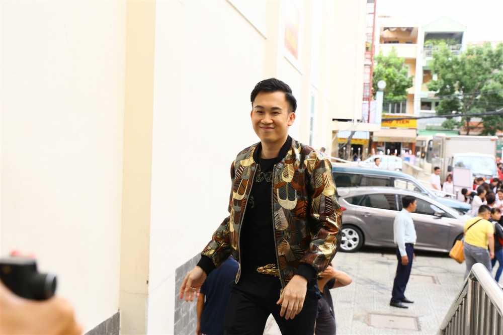 Noo Phuoc Thinh ngoi ghe huan luyen vien cung Dam Vinh Hung hinh anh 8