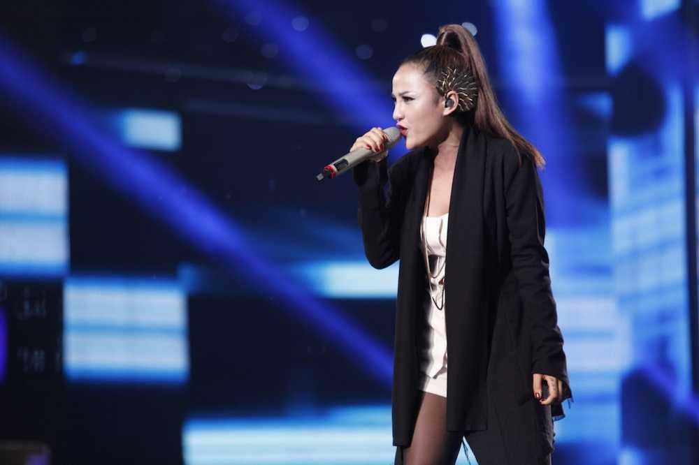 Vietnam Idol: Thu Minh bat binh khi Bang Kieu co tinh 'chup mu' thi sinh hinh anh 13