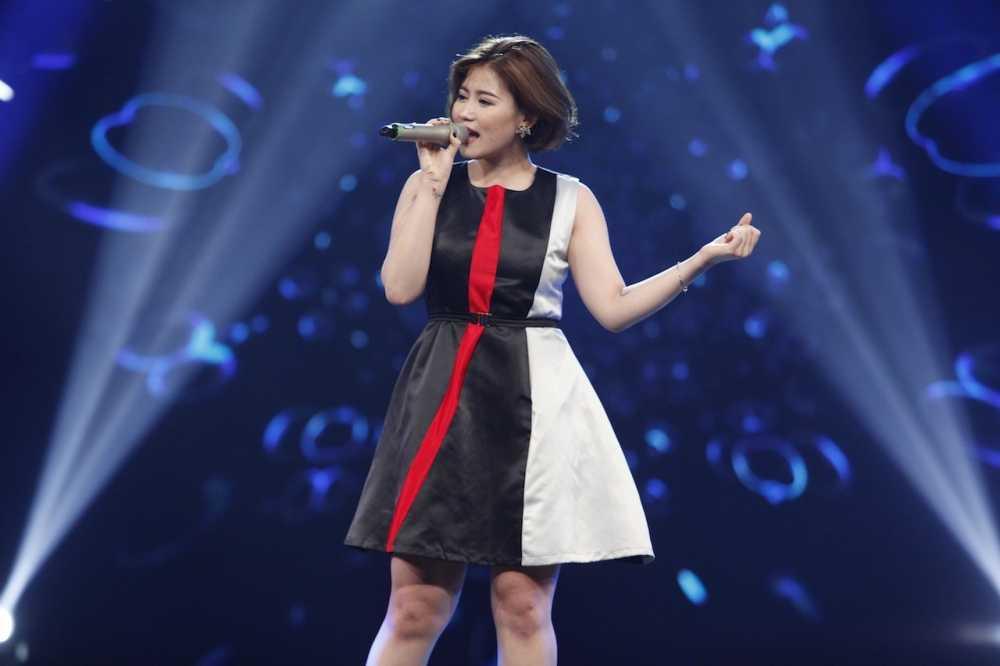 Vietnam Idol: Thu Minh bat binh khi Bang Kieu co tinh 'chup mu' thi sinh hinh anh 2