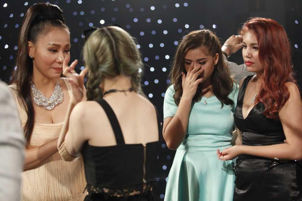 Vietnam Idol: Thu Minh bat binh khi Bang Kieu co tinh 'chup mu' thi sinh hinh anh 15