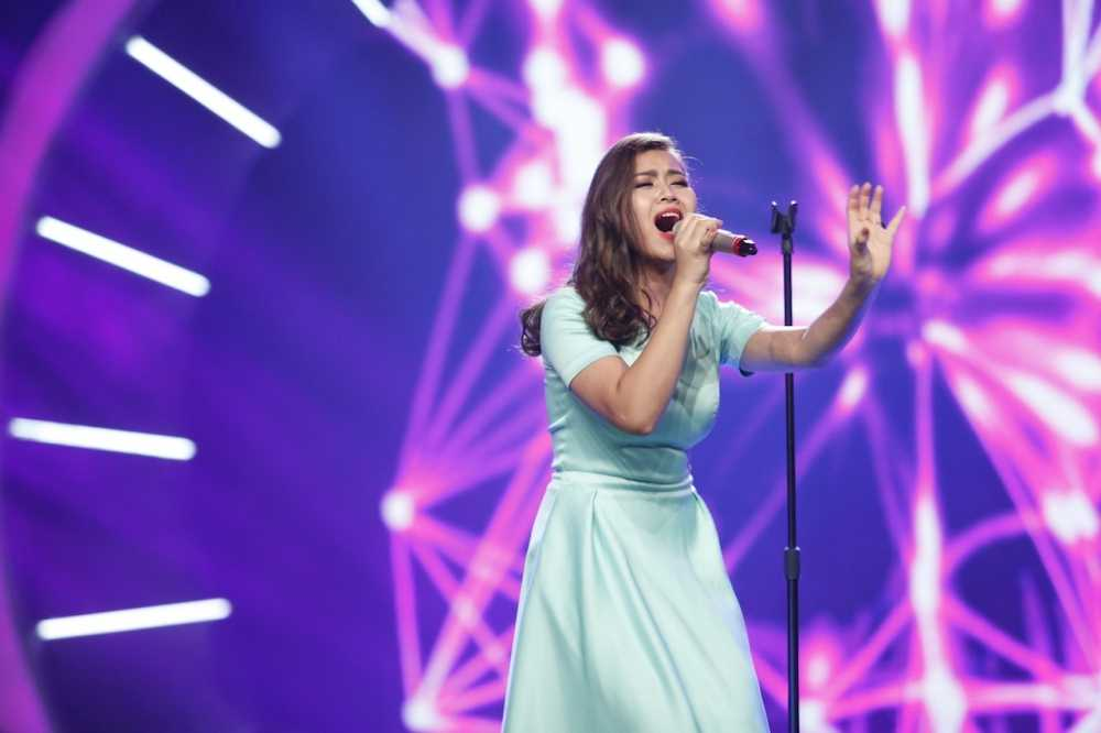 Vietnam Idol: Thu Minh bat binh khi Bang Kieu co tinh 'chup mu' thi sinh hinh anh 10