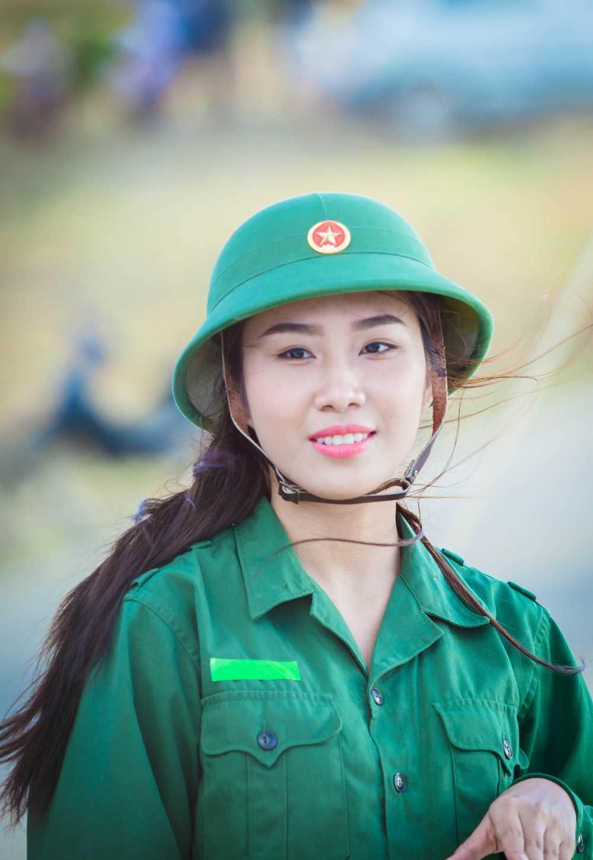 Thi sinh Hoa hau Viet Nam gay xuc dong voi du an tai huyen dao Ly Son hinh anh 5