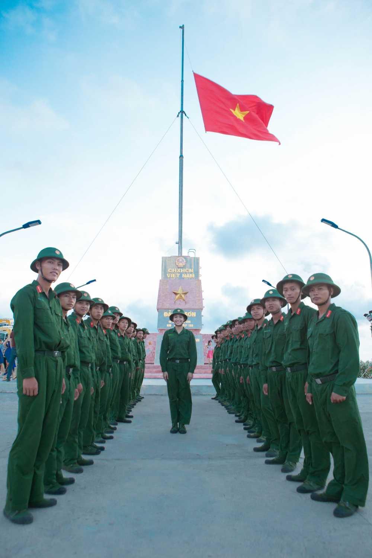 Thi sinh Hoa hau Viet Nam gay xuc dong voi du an tai huyen dao Ly Son hinh anh 6