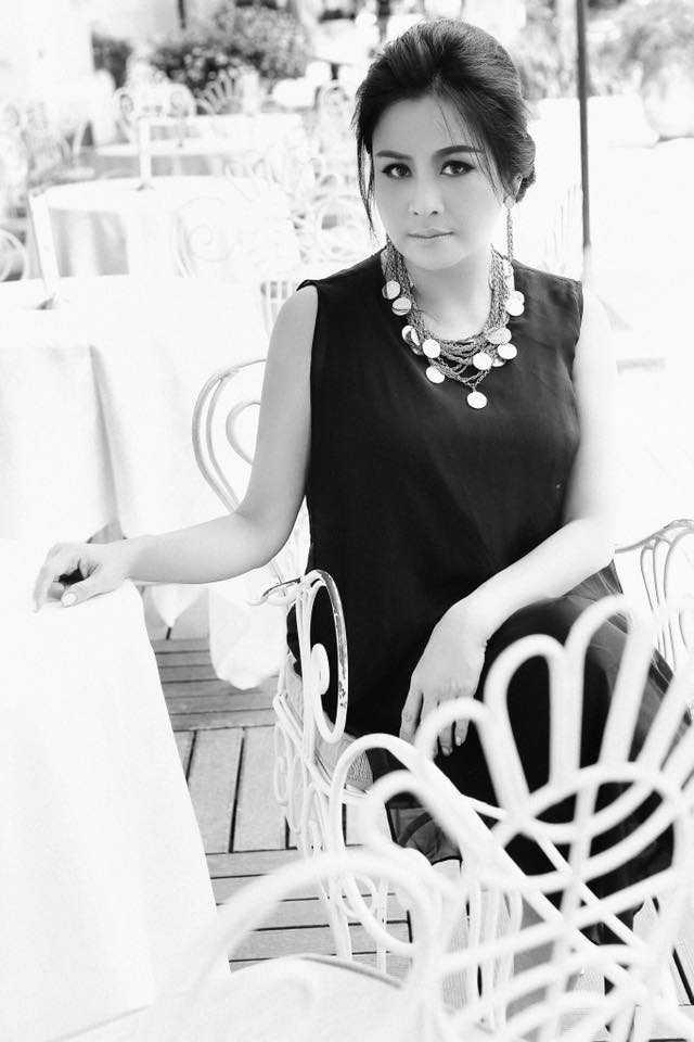 Thanh Lam 'da xeo' Ho Quynh Huong dong kich, 'moi thu deu gia' hinh anh 1