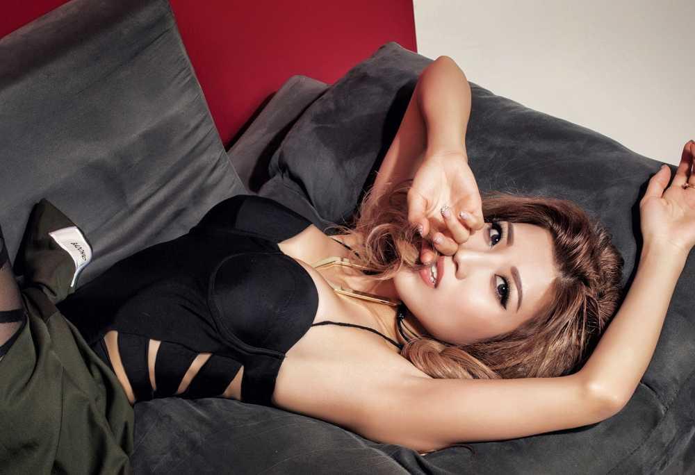 Trang Phap sexy, noi loan voi hinh tuong moi hinh anh 7