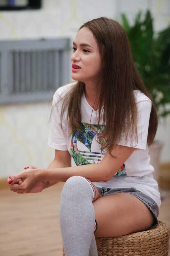 Huong Giang Idol 'bat mi' bi kip de luon noi bat hinh anh 2