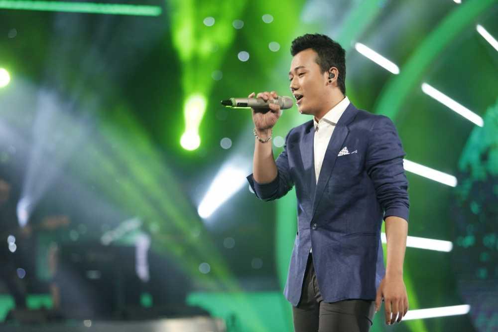Truc tiep Vietnam Idol: Thu Minh doa se 'chem dep' Viet Thang neu quen loi bai hat hinh anh 6