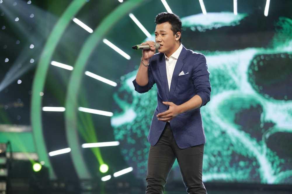 Truc tiep Vietnam Idol: Thu Minh doa se 'chem dep' Viet Thang neu quen loi bai hat hinh anh 7
